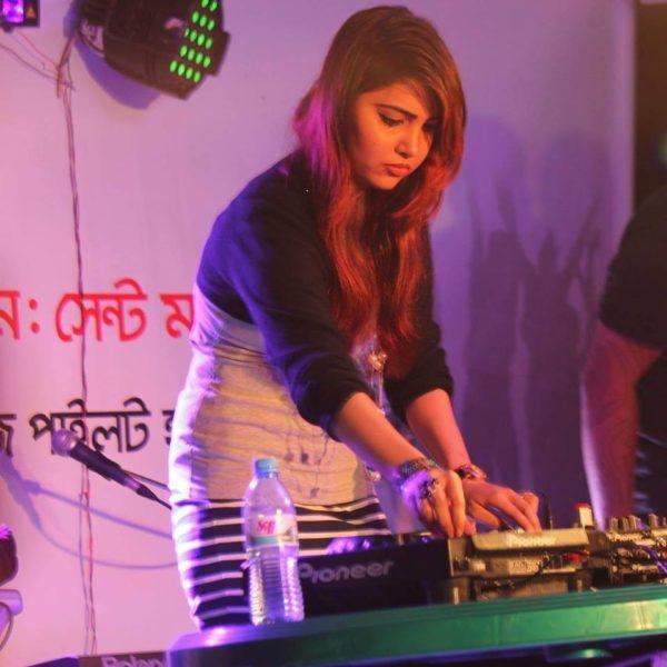 DJ noushin