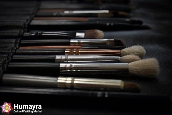 makeup 2676392 640