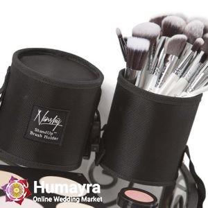 makeup brushes 824704 640
