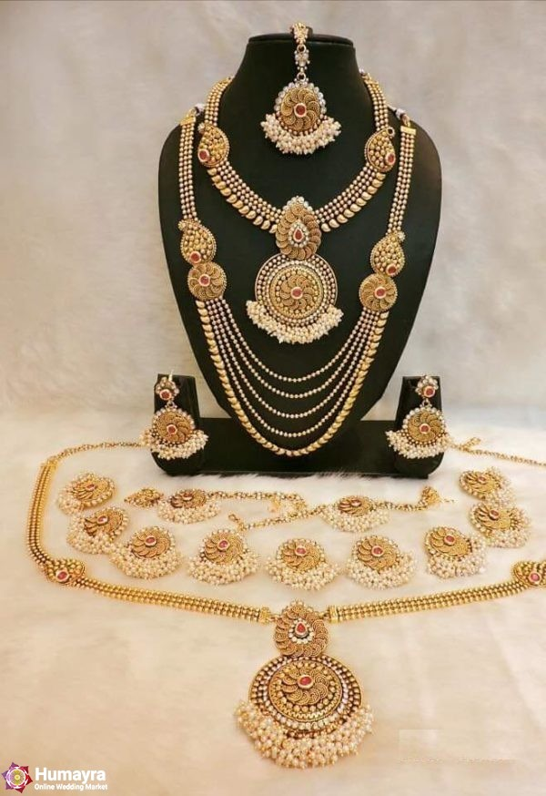 Golden Jaipuri Jewellery Set